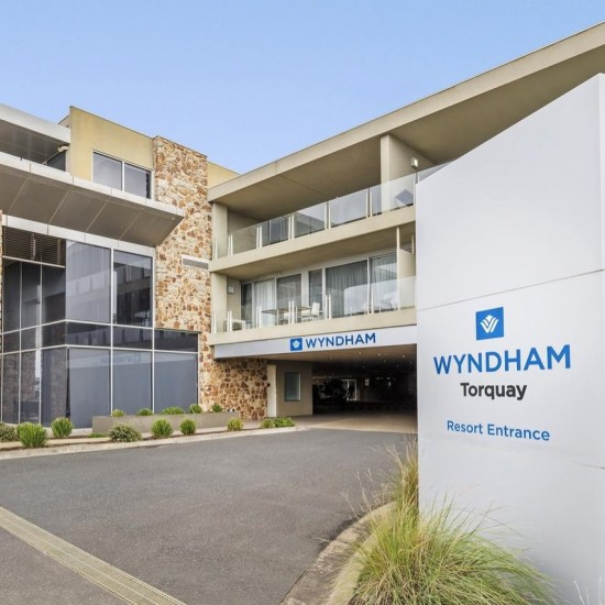 Wyndham Resort Torquay - The Gateway to the Great Ocean Road Savor magnificent sunsets, scenic coastlines, and natural beauty